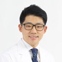 김창욱 대표원장 사진